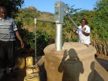 Le falde create dalle sand dam permetteranno di attingere acqua tutto l'anno.