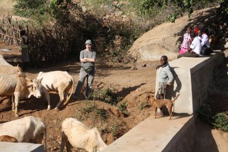 Acqua per uso domestico, agricolo e per abbeverare gli animali.